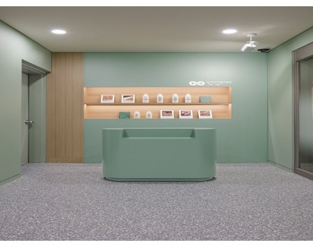 绿色系清爽明亮的办公室