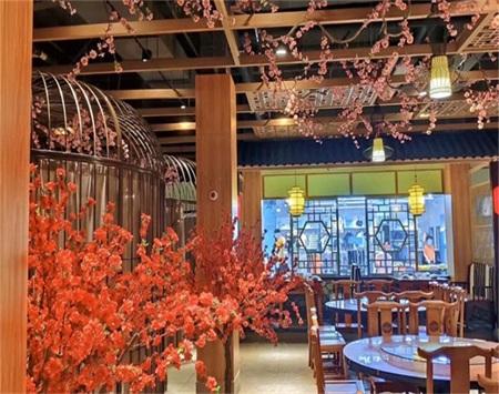 大胡子湘菜餐厅装修设计